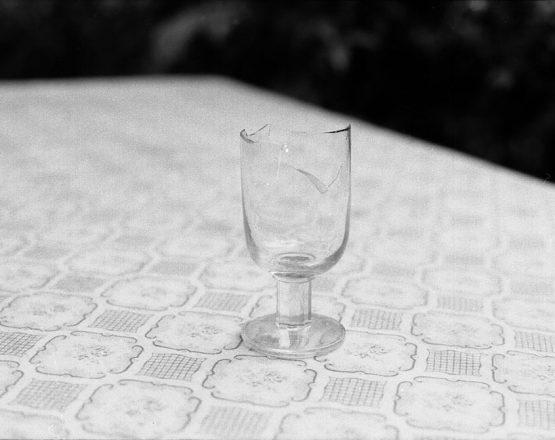 Das_zerbrochene_Glas_von_Sjenica
