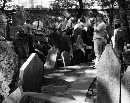 Der_alte_jüdische_Friedhof_in_Prag_01.08.1988